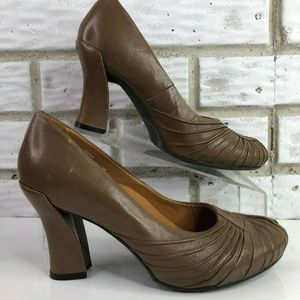 Earthies Raynia Brown Leather Peeptoe Pumps